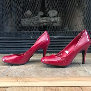 *BRAND NEW* Mossimo Red Patent 4in Pumps